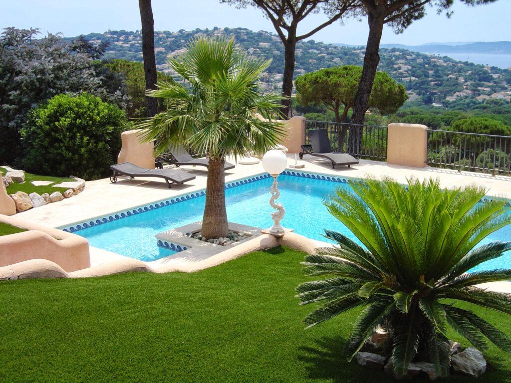 Martin Martin paysages - jardin de la Riviera - maison avec piscine